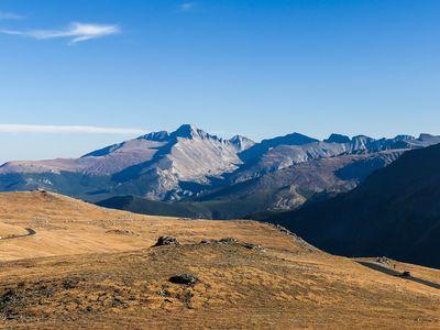 Trail Ridge Road in Rocky Mountain National Park gives a view of Neníisótoyóú'u (Longs Peak) in Colorado, left of center.