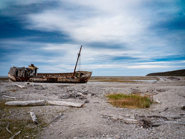 ANTICOSTI: THE ISLAND LITTERED BY SHIPWRECKS thumbnail