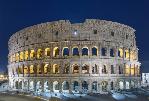 The Colosseum and the Full Moon thumbnail