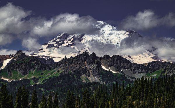 The highest peak of Mount Ranier, WA thumbnail