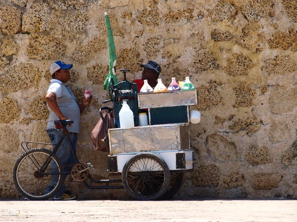 Ice-cream-bicycle in the shadow thumbnail