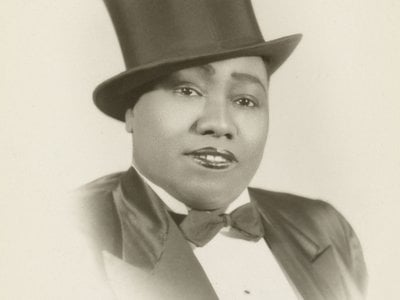 Gladys Bentley's powerful voice, fiery energy on the piano and bold lyrics made her a star of New York City nightclubs.