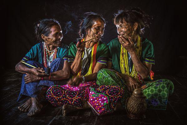 Three Chin Women thumbnail
