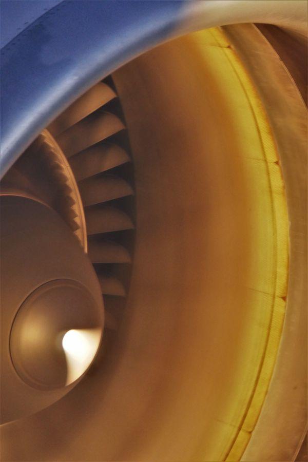 Jet Engine on Boeing 777-200 thumbnail
