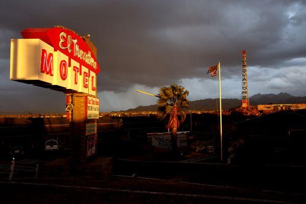 Storm over El Trovatore Motel thumbnail