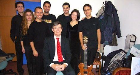 Darius Brubeck with students from Yildiz Technical University, Istanbul, 2007