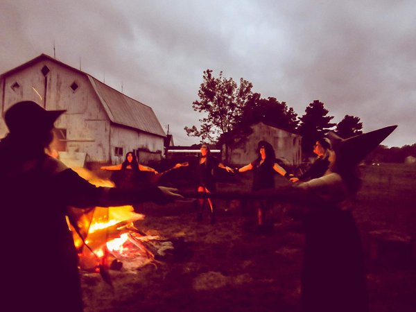 Seance in Indiana thumbnail