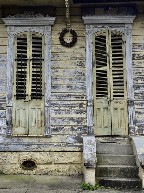 Vintage facade thumbnail