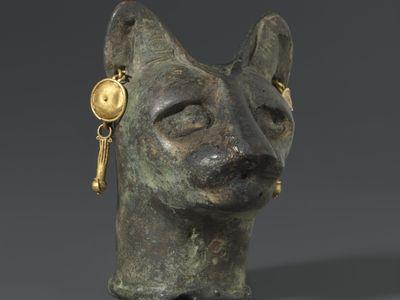 Cat's Head, 30 BCE to third century CE