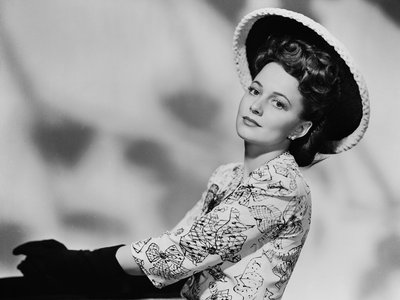 Olivia de Havilland's 1943 legal victory against Warner Bros. contributed to the downfall of the Hollywood studio system.