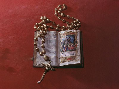 Rosary beads and Bible belonging to Mary, Queen of Scots, pictured at Arundel Castle in January 1968. Authorities recently announced the rosary's theft from the English stronghold.