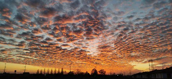 Sunset like a solar explosion thumbnail