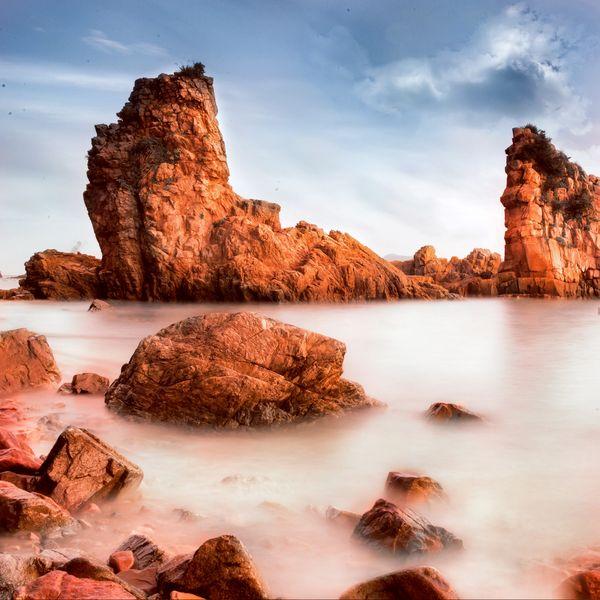 Red Stone Beach thumbnail