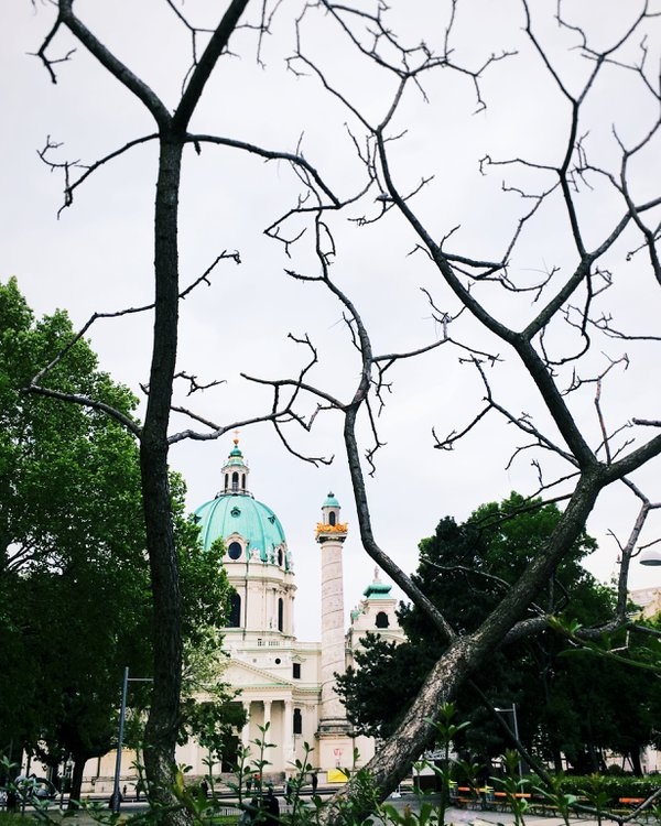 Wiener Karlskirche thumbnail