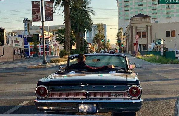Cruising in Las Vegas thumbnail