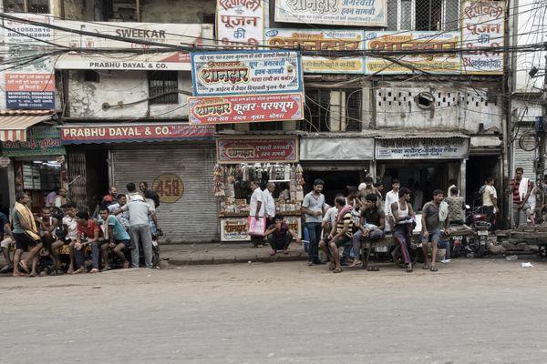 Working mates in Delhi  thumbnail