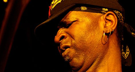 Vernon Reid performing in 2008