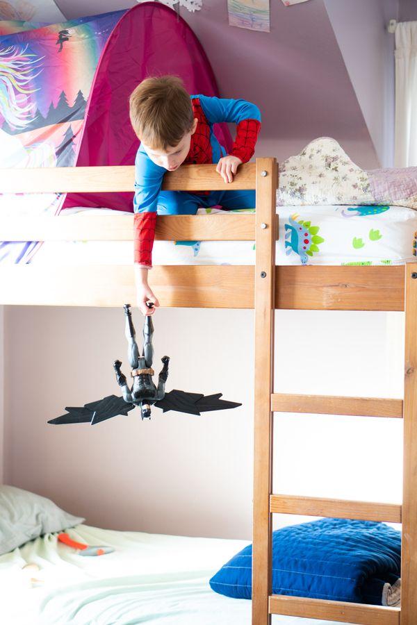 Spiderman vs Batman thumbnail