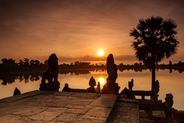 Sunrise at Srah Srang, Angkor thumbnail