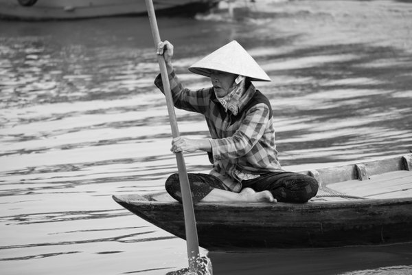 Vietnamese Rowing Women  thumbnail