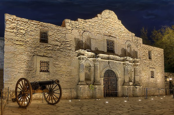 The Alamo at Night thumbnail