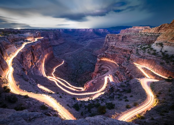 Jeep Light Trail in Canyonlands National Park thumbnail