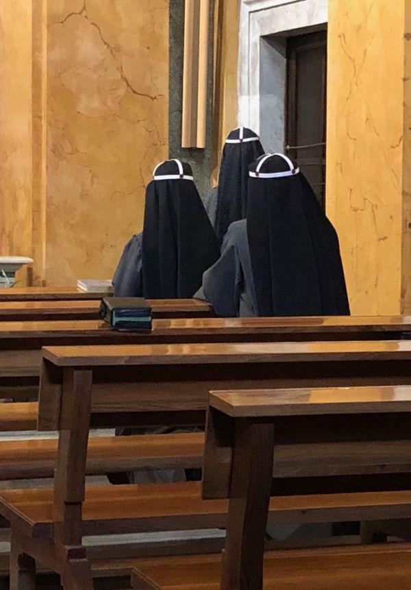 Nuns in Santa Brigida thumbnail