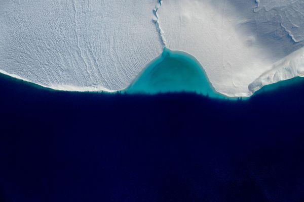 'Breakwater', Ilulissat Icefjord, Greenland thumbnail
