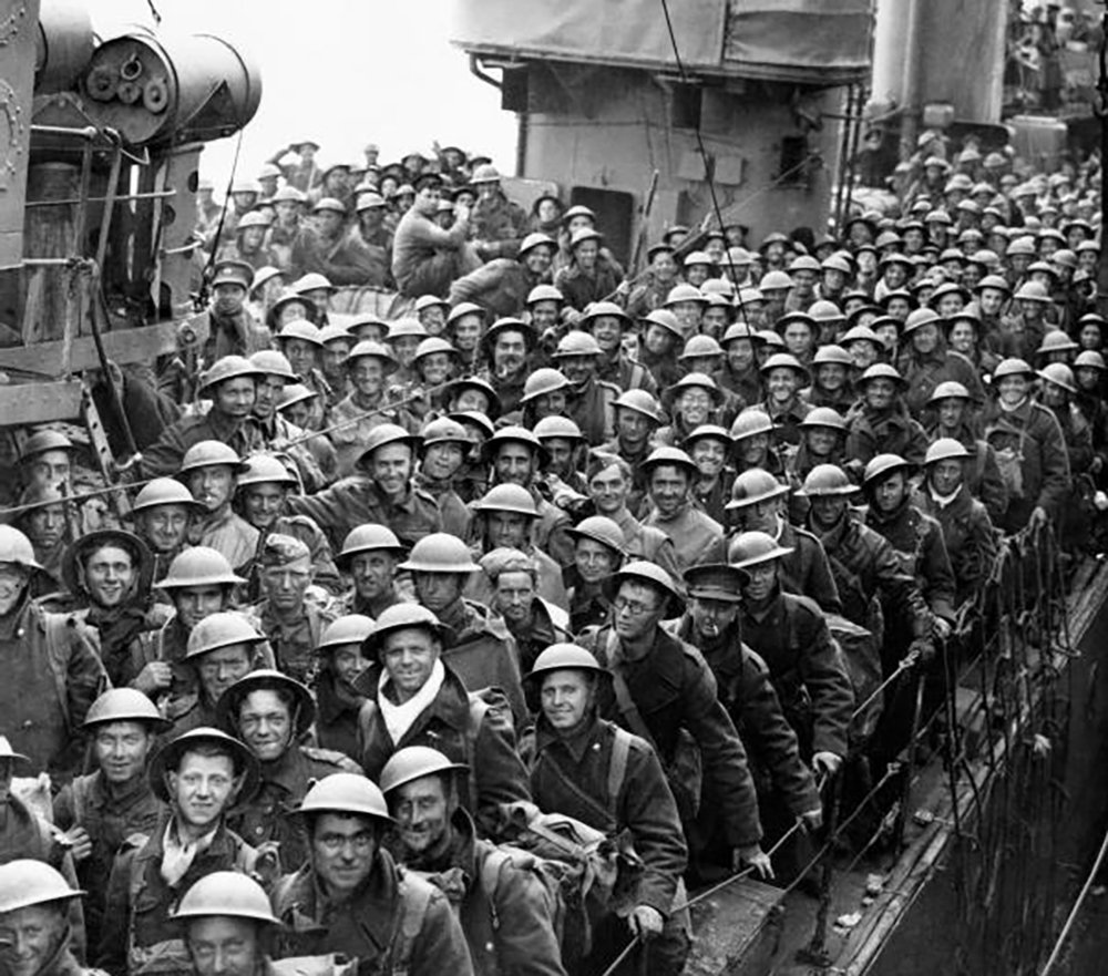 """The True Story of Dunkirk, As Told Through the Heroism of the """"Medway Queen"""""""