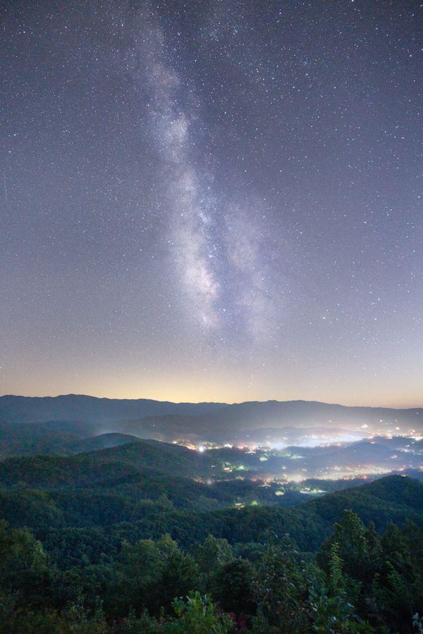Milky Way over the Smokies thumbnail