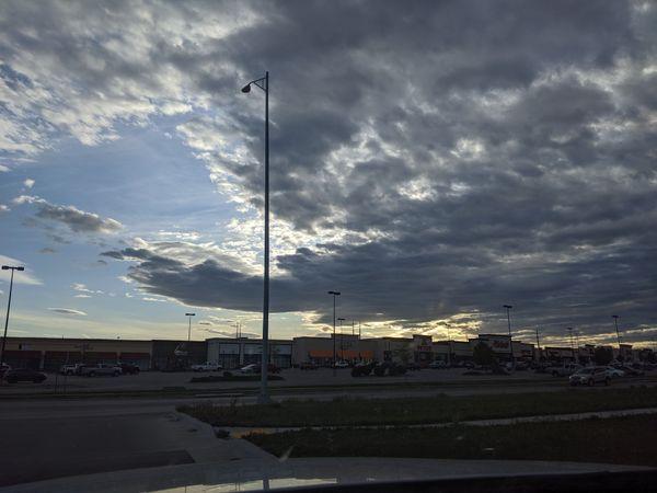 A Cloudy Evening thumbnail