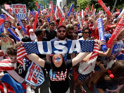 American soccer fans watch the 2014 World Cup.