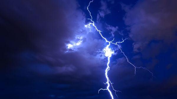 Summer Night Lightning thumbnail