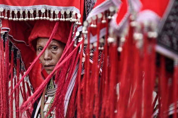 Red Dzao women thumbnail