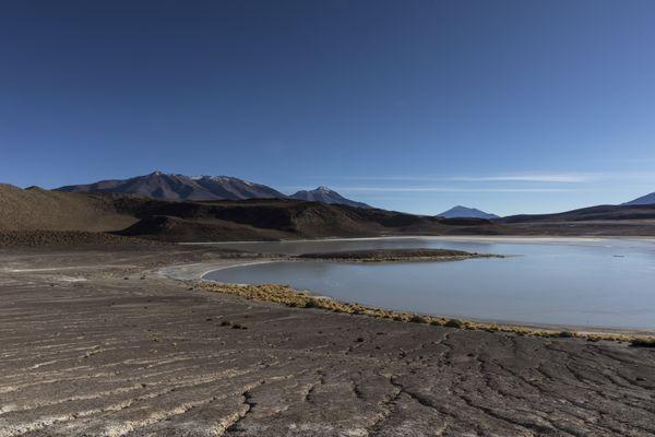 Frozen Lake high in the Atacama thumbnail