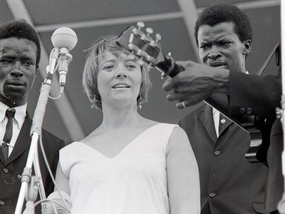 Barbara Dane with the Chambers Brothers at the 1965 Newport Folk Festival.