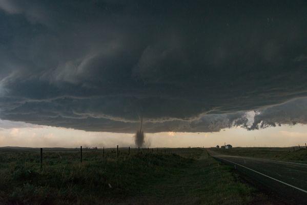 Tornado incoming! thumbnail
