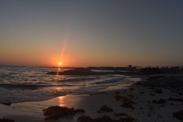 Sunset meets ocean thumbnail