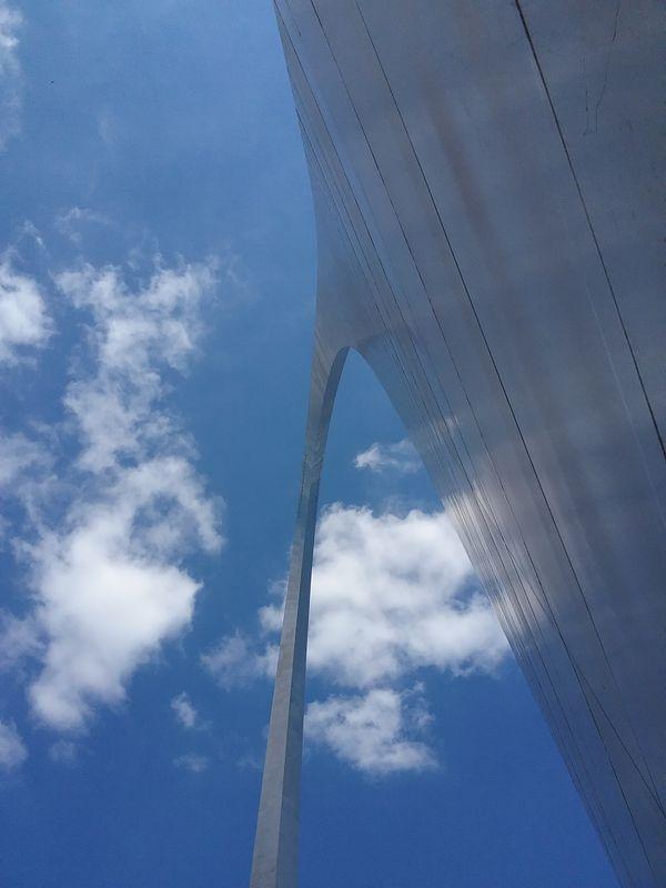 Gateway Arch in St. Louis thumbnail