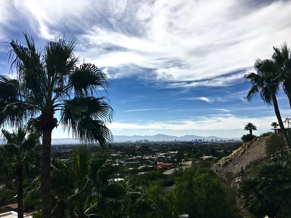 A view of Phoenix from Paradise Valley thumbnail