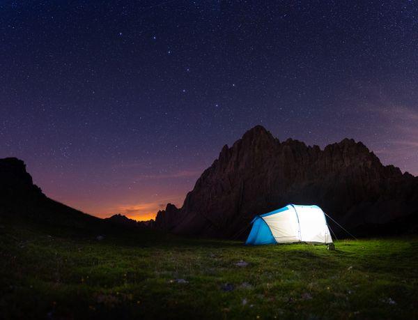 Camping under the star thumbnail
