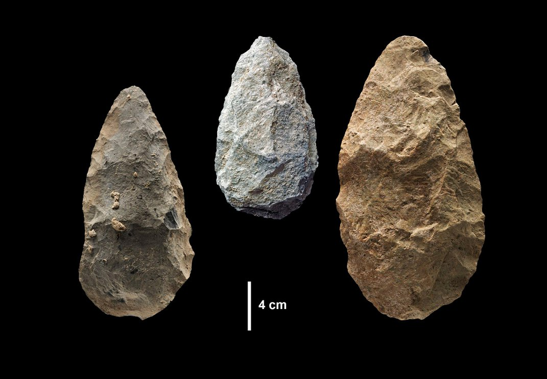 Colored Pigments and Complex Tools Suggest Humans Were Trading 100,000 Years Earlier Than Previously Believed