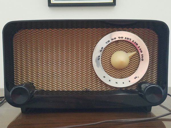 Old Zenith Radio thumbnail