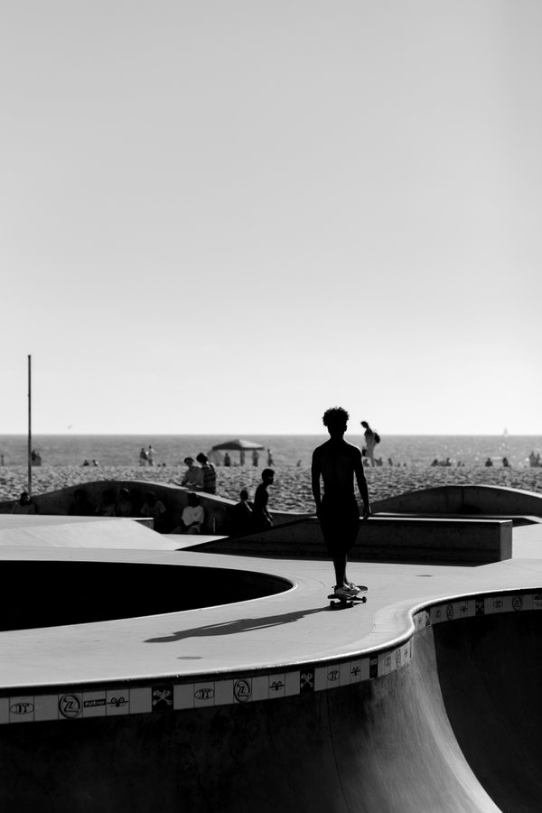 Silhouette of a young skater in Venice Beach, Los Angeles thumbnail