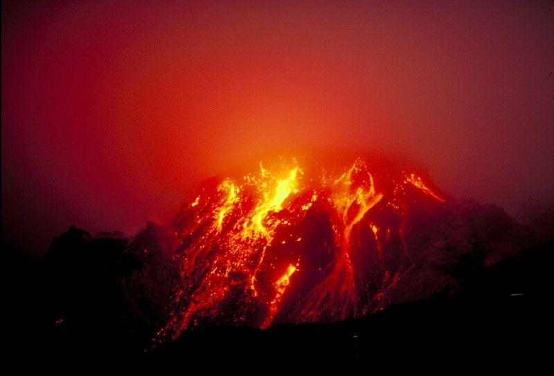 20110520102312volcano.jpg