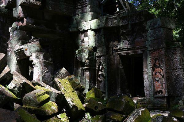 Shadows passing over ruins at Angkor Wat thumbnail