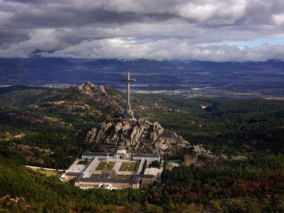 Franco's tomb features a 500-foot cross.