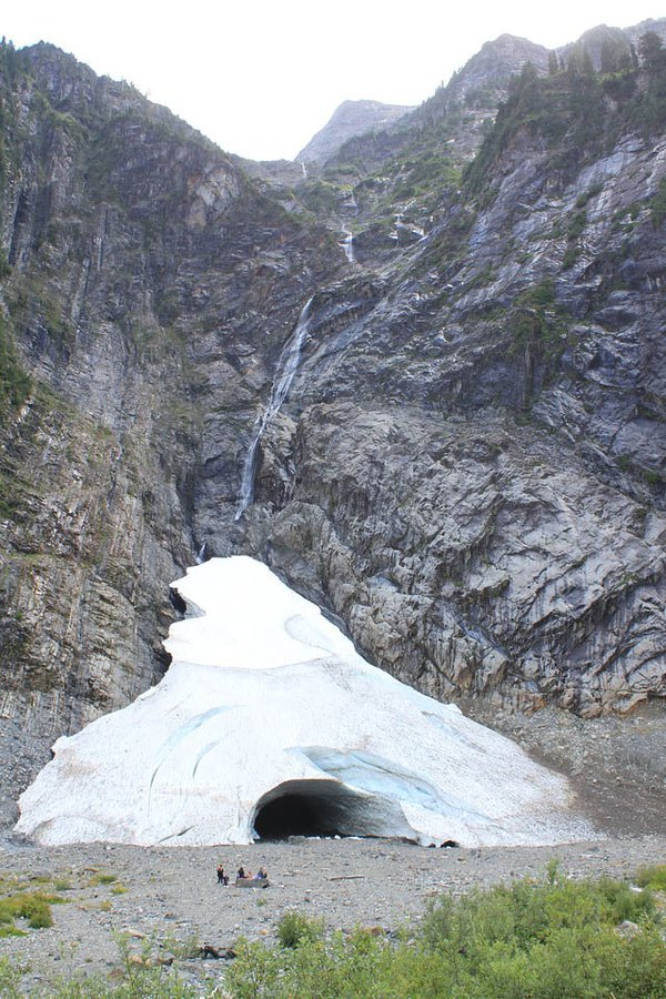 Ice Cave in Washington State thumbnail