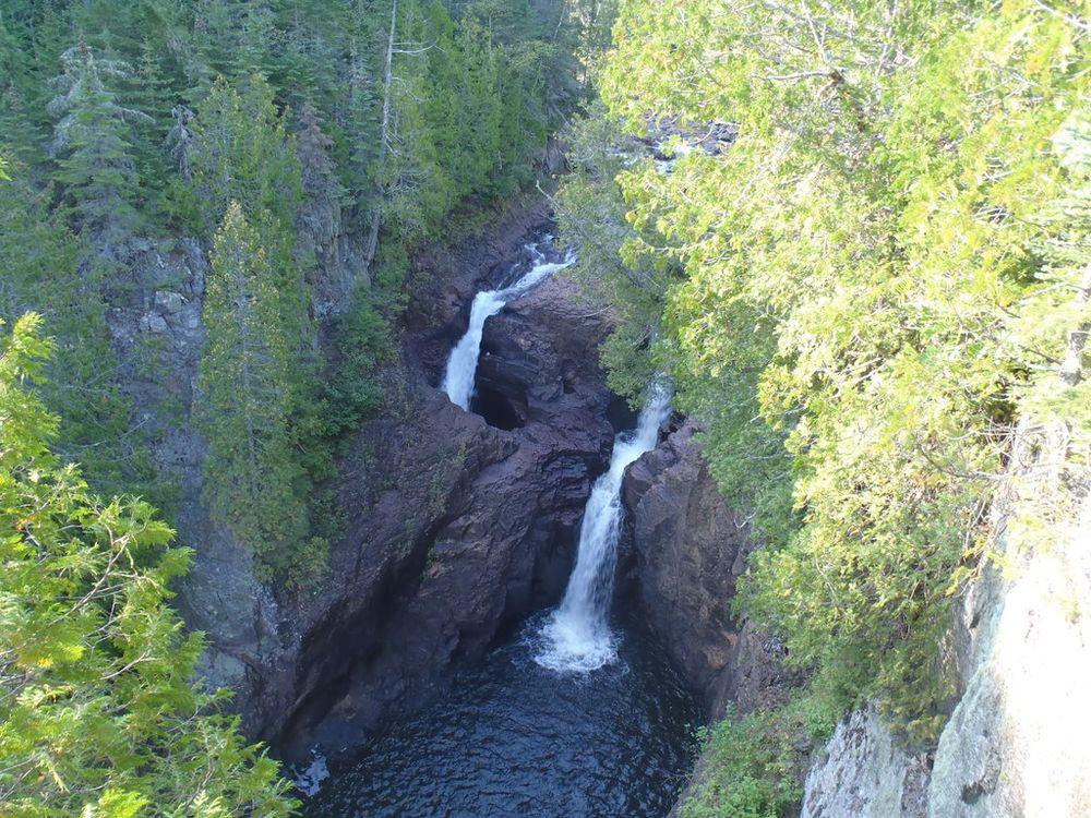 Devil's Kettle Falls