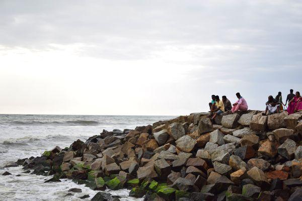 Family in a beach thumbnail